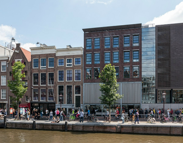 Ve-may-bay-di-Amsterdam-Ha-Lan-10-10-2018-2