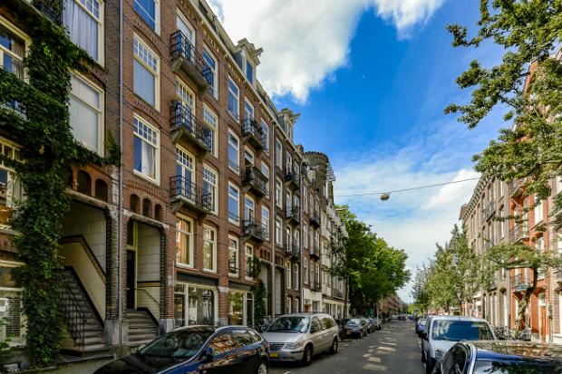 Ve-may-bay-di-Amsterdam-Ha-Lan-10-10-2018