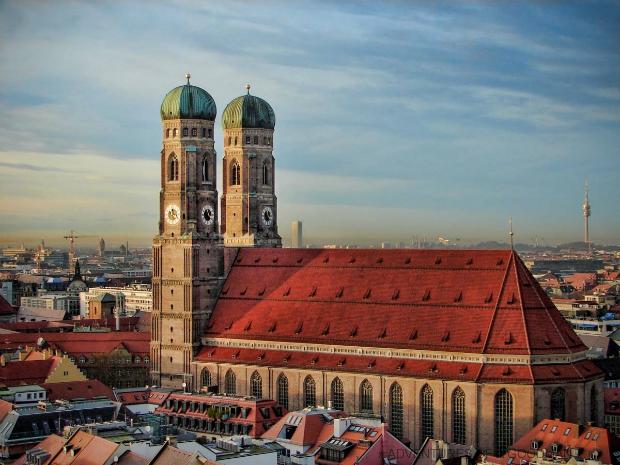 Ve-may-bay-di-Munich-Duc-10-10-2018