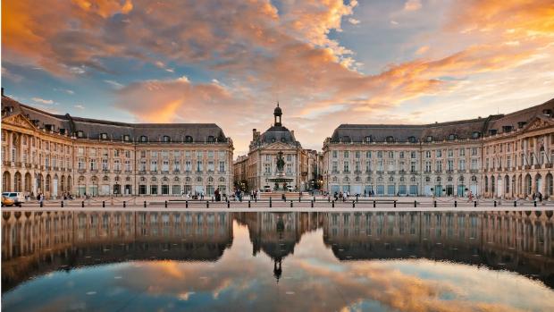 ve-may-bay-di-Bordeaux-Phap-17-10-2018-3