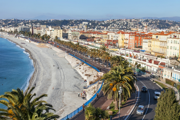 ve-may-bay-di-Nice-Phap-17-10-2018-2