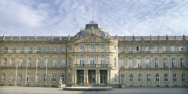 ve-may-bay-di-Stuttgart-Duc-17-10-2018-2