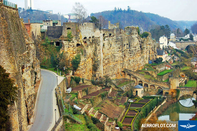 ve may bay gia re di luxembourg