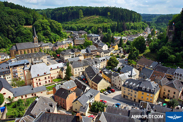 ve may bay gia re nhat di luxembourg