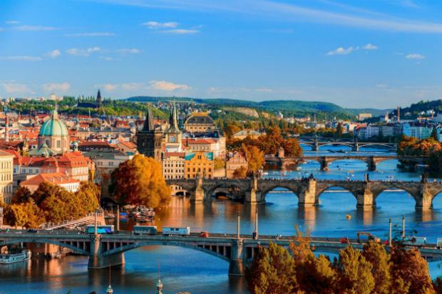 Kham-pha-Prague-thanh-pho-vang-cua-Chau-Au