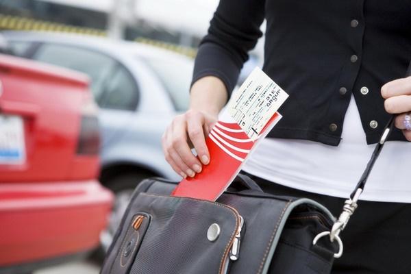 Tại sao phải mua vé máy bay qua đại lý?