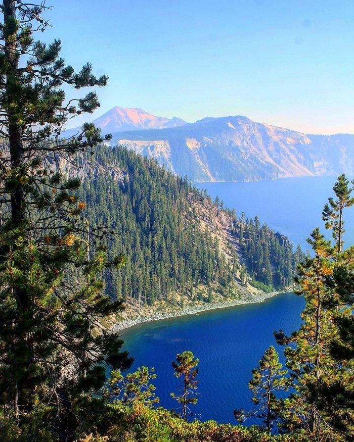 Khám phá hồ Crater ở Mỹ với cảnh quan tuyệt đẹp